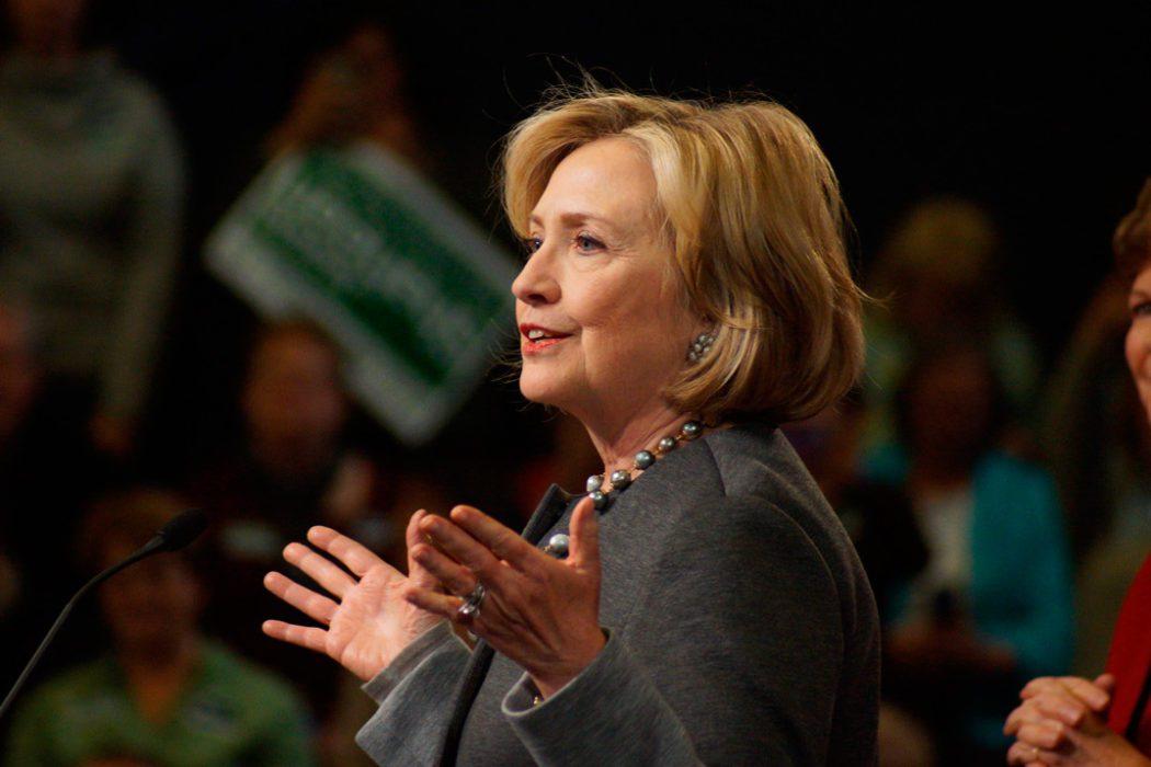 Hillary Clinton introduserer senator Jeanne Shaheen i New Hampshire, 2. november 2014. Shaheen vant gjenvalg natt til onsdag norsk tid. Foto: Marc Nozell.